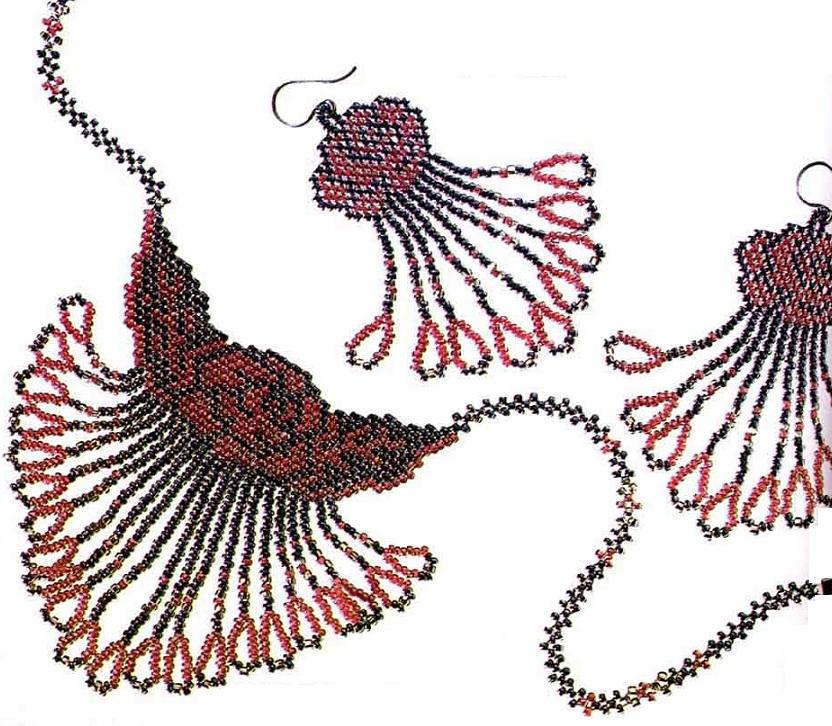 Колье с розой (2 вида).