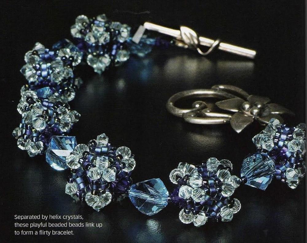 Голубой браслет и серьги Давайте научимся плести из бисера и бусин такой элемент, как кубик и с его помощью вы...