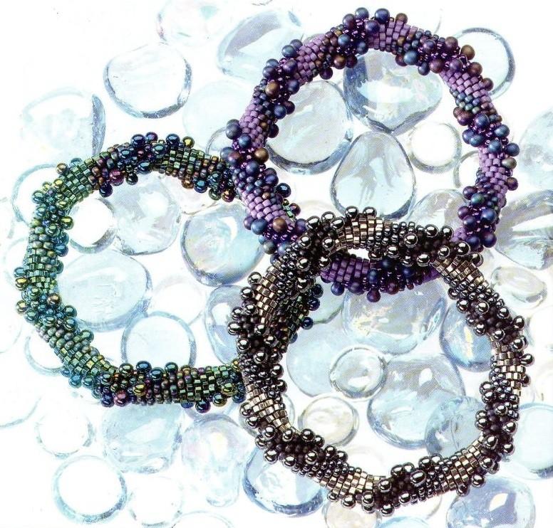 Бисероплетение - Браслеты разноцветные жгутики.  Просмотров: 150 Дата.