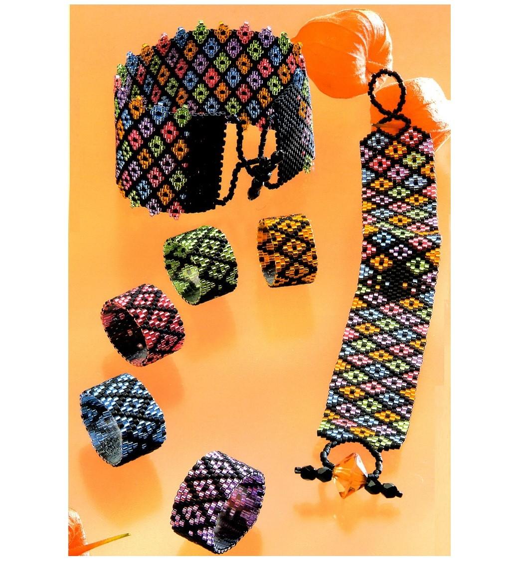 9 июн 2012 Огромный выбор и разнообразие колец и перстней из бисера, бусин и кристаллов. .  Схемы плетения и фото...