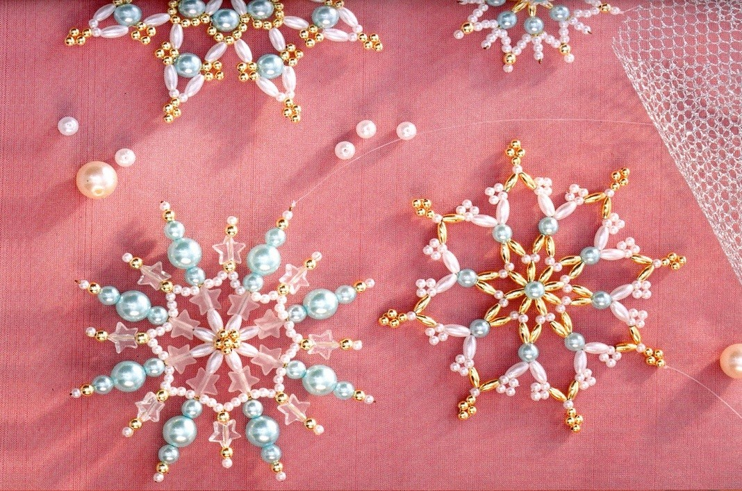 Множество разных снежинок и схемы их плетения.  Записи с меткой бисер.  LiveInternetLiveInternet.